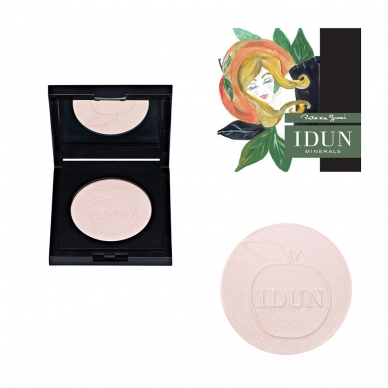 IDUN Minerals kompaktinė pudra suteikianti švytėjimo Tilda Nr. 1522, 3,5 g 5